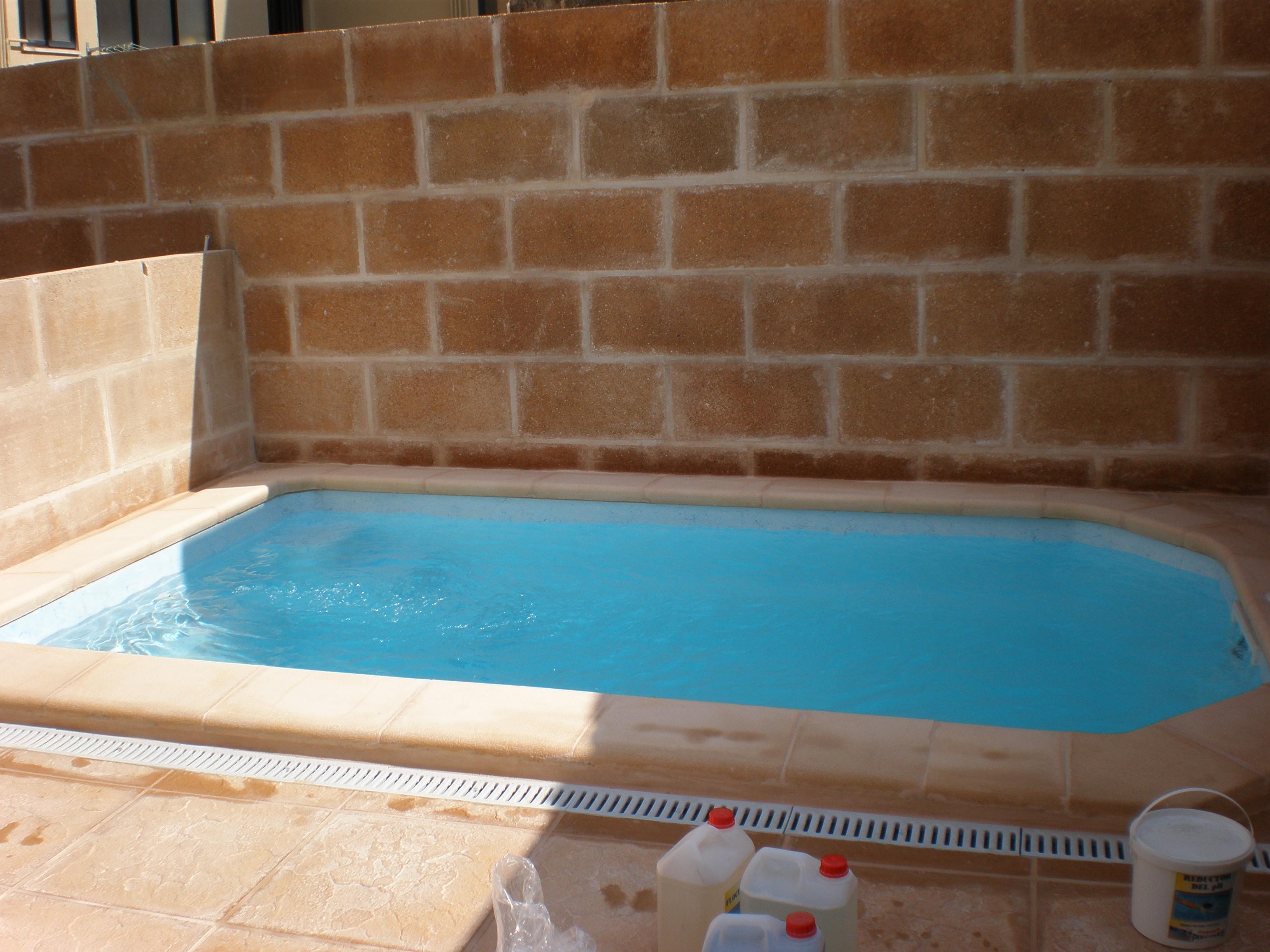 Micro pool piscinas mallorca europa piscinas palma for Mini piscinas prefabricadas